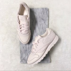 Reebok Classic Baby Pink Runners Sz 8.5